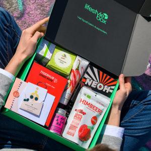 Die Lifestylebox Ausgabe von April 2020 mit vielen trendigen Produkten.